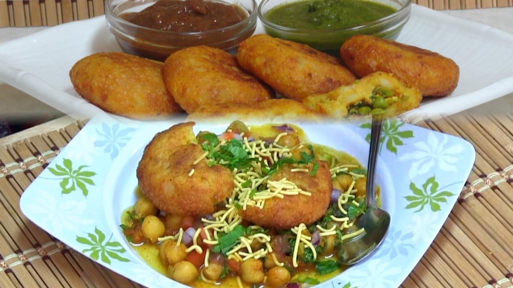 Aalu Tikki and Chaat-delhi