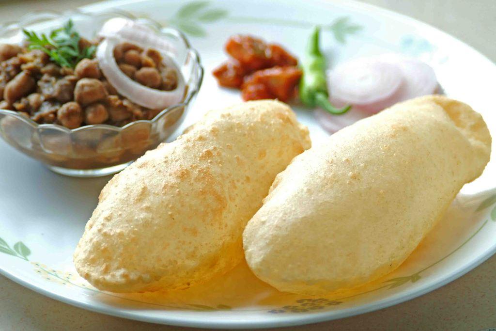 chhole bhathure