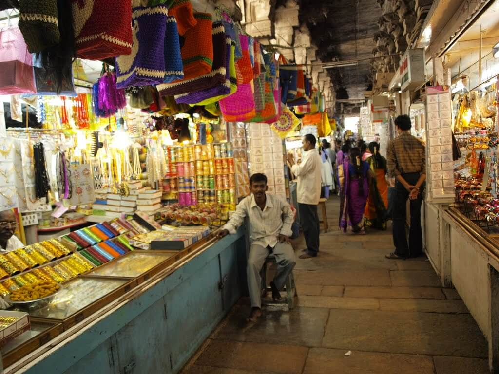 Puthu Mandapam Madurai Shopping