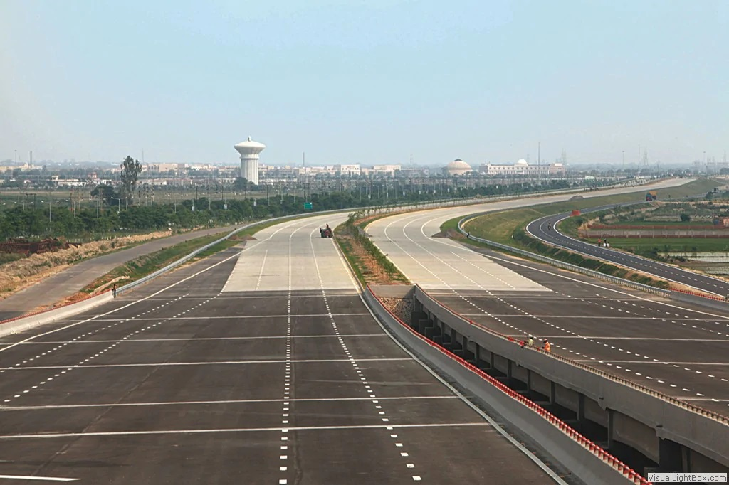 Delhi to Agra Road - Yamuna Expressway