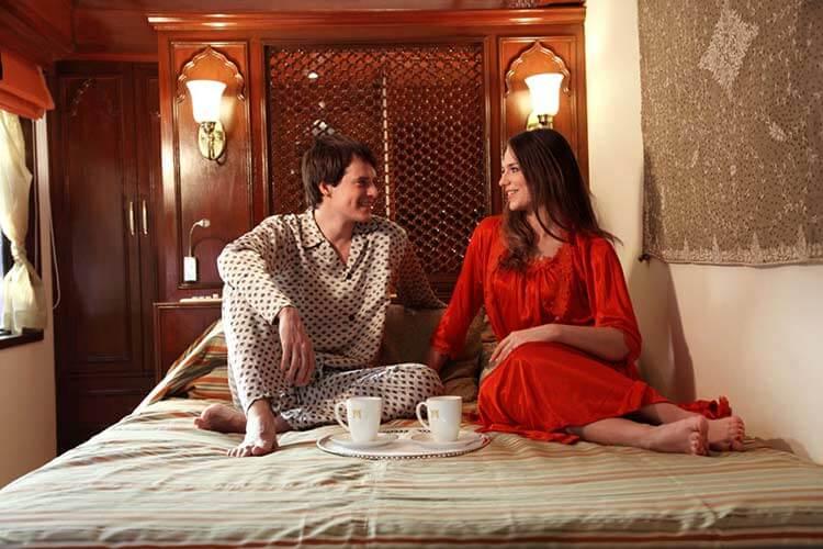 breakfast in bed of maharaajs express