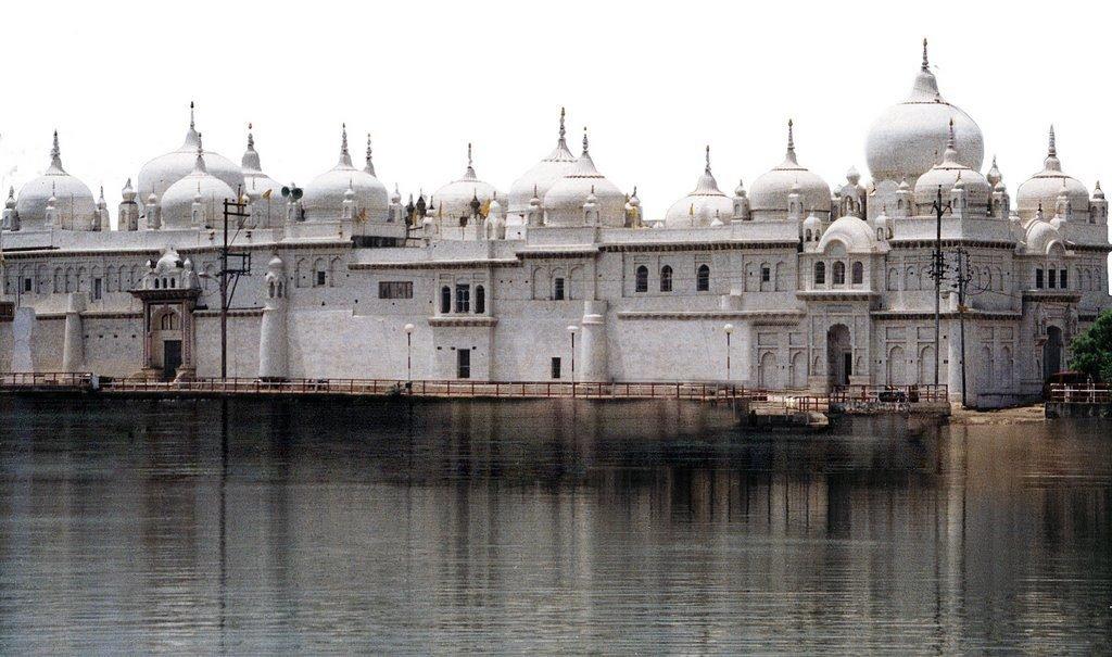 Hanumantal Bada Jain Mandir, Jabalpur