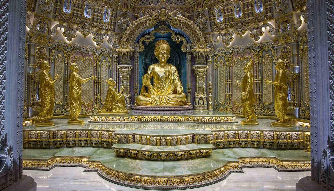 Statue of Swaminarayan, Akshardham Temple