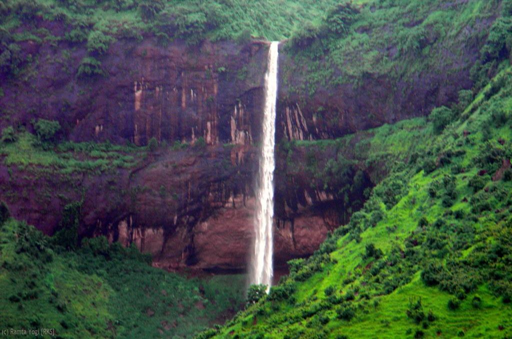 Pandavkada Falls