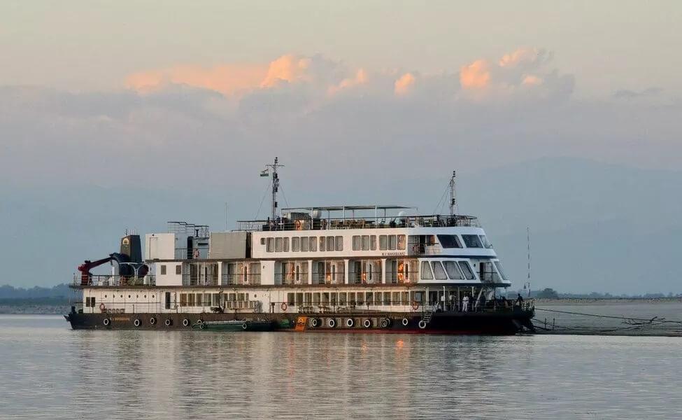 Assam Houseboat