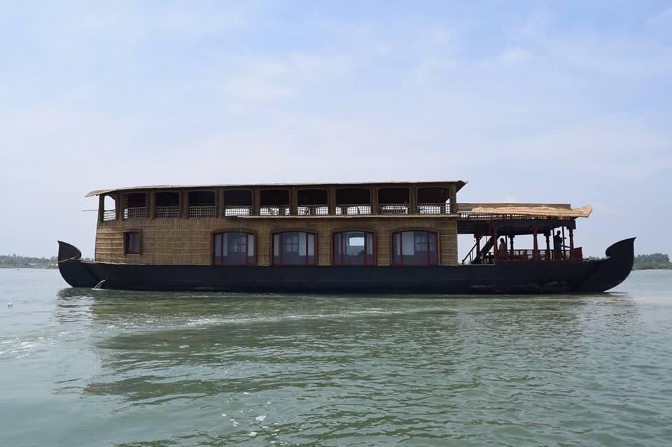 Chunnambar Houseboat, Pondicherry