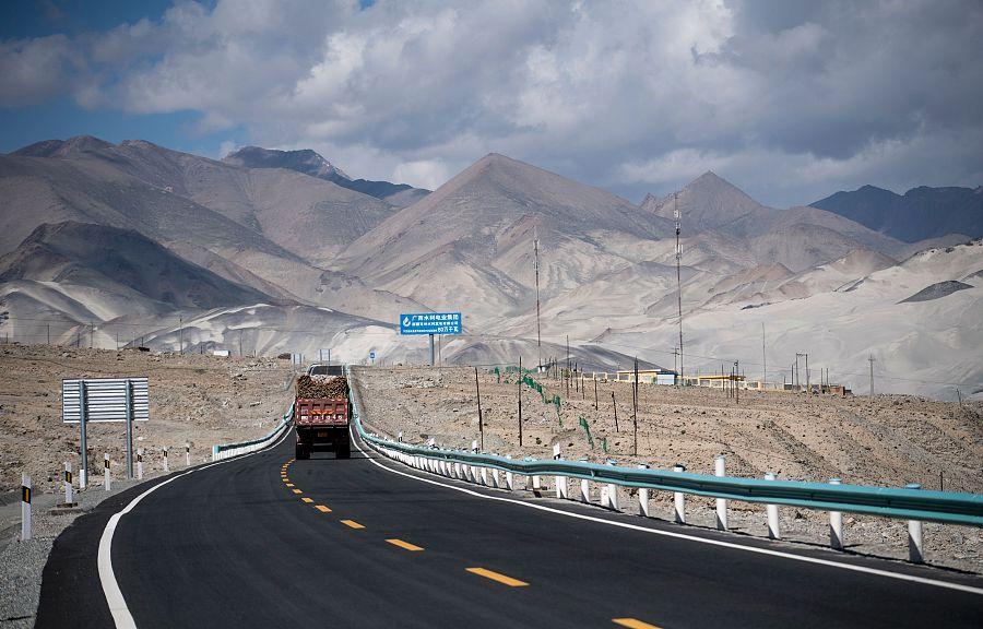 Karakoram Highway to Pakistan Road Trip