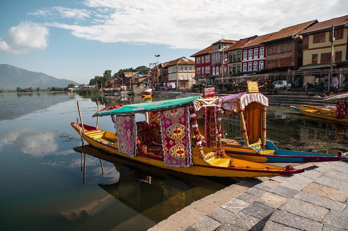 shikara boat ride srinagar